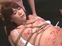 蝋燭や鞭打ちで痛めつけられるドMな女装子の調教SMセックス